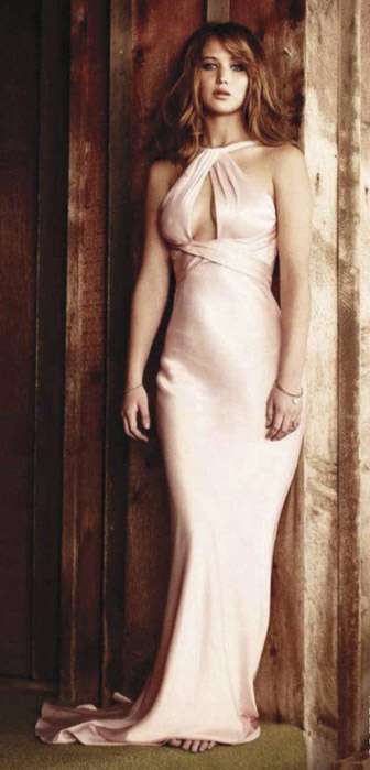 pink-light-dress-gown-silky-jenniferlawrence-style-spring-summer-hairr-elegant.jpg