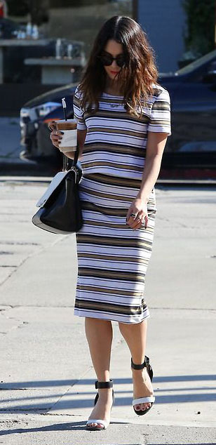white-pencil-skirt-white-top-stripe-print-matchset-black-bag-black-shoe-sandalw-vanessahudgens-spring-summer-brun-work.jpg