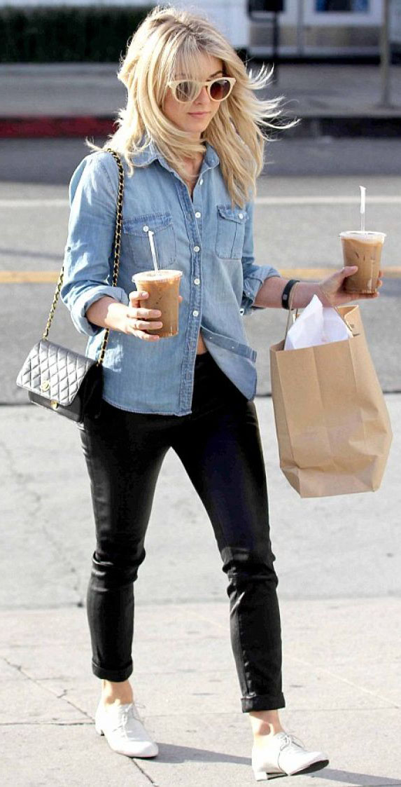 black-skinny-jeans-blue-light-top-collared-shirt-white-shoe-brogues-black-bag-sun-chambray-juliannehough-blonde-fall-winter-weekend.jpg