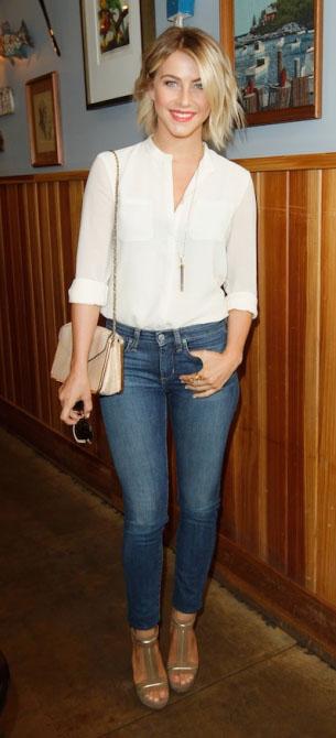 blue-med-skinny-jeans-white-top-blouse-tan-bag-tan-shoe-sandalw-juliannehough-blonde-spring-summer-lunch.jpg