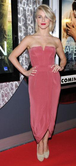 pink-magenta-dress-strapless-tna-shoe-pumps-bodycon-juliannehough-blonde-spring-summer-dinner.jpg