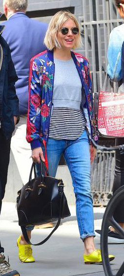 blue-med-skinny-jeans-grayl-sweater-blue-navy-jacket-bomber-floral-print-black-bag-sun-yellow-shoe-brogues-siennamiller-spring-summer-blonde-weekend.jpg