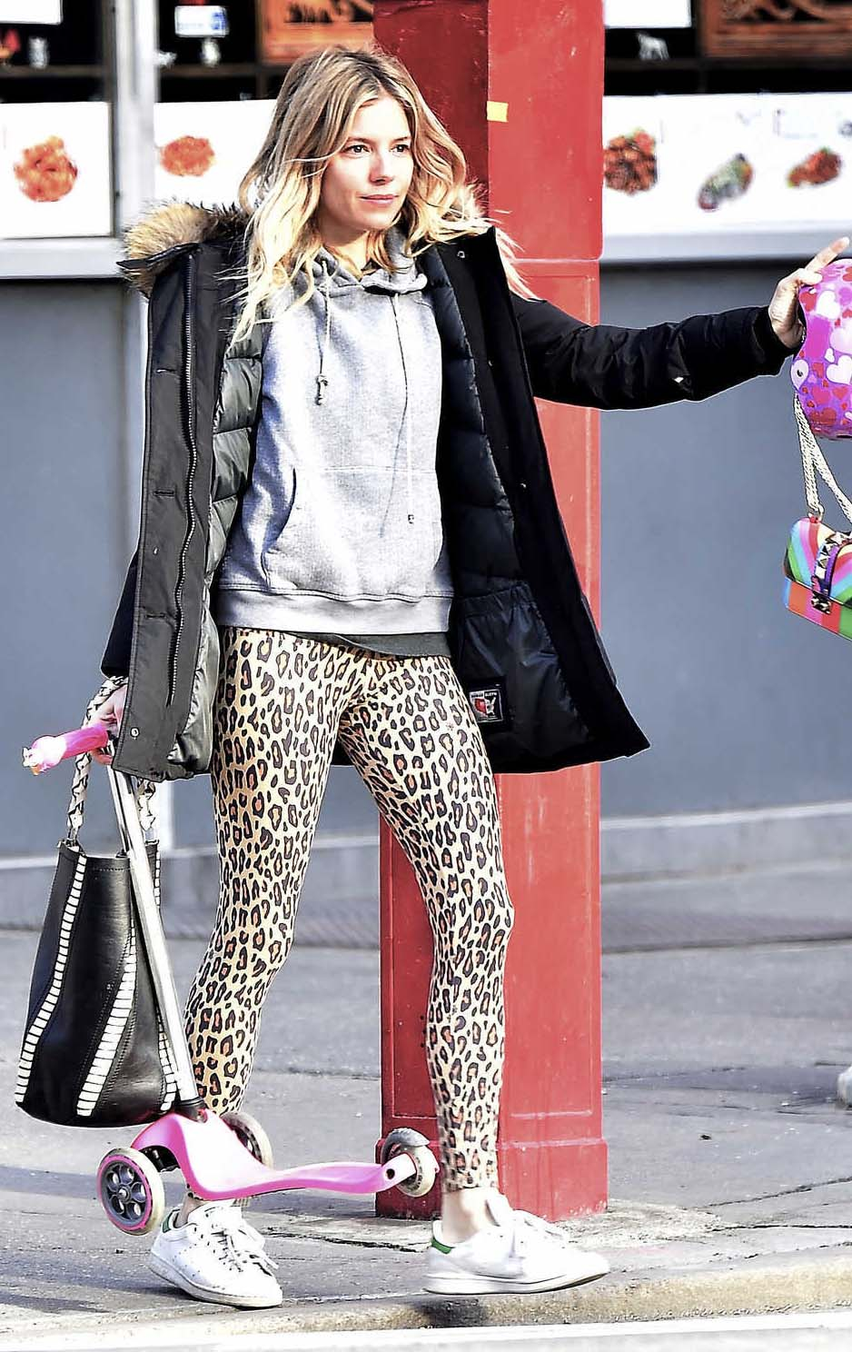 tan-leggings-leopard-grayl-sweater-sweatshirt-hoodie-black-jacket-coat-white-shoe-sneakers-siennamiller-fall-winter-blonde-weekend.jpg