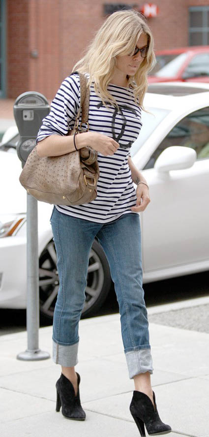 blue-light-boyfriend-jeans-blue-navy-tee-stripe-tan-bag-black-shoe-booties-siennamiller-fall-winter-blonde-weekend.jpg