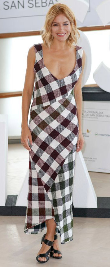 black-dress-maxi-gingham-black-shoe-sandalh-print-siennamiller-spring-summer-blonde-lunch.jpg