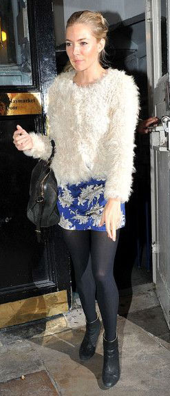 blue-navy-mini-skirt-print-white-jacket-fur-fuzz-black-bag-black-tights-black-shoe-booties-siennamiller-fall-winter-blonde-lunch.jpg