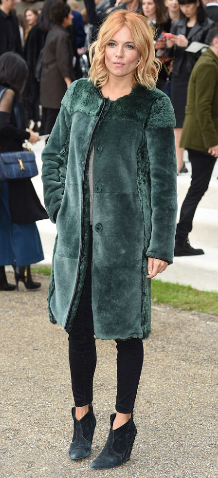 black-skinny-jeans-green-dark-jacket-coat-fur-black-shoe-booties-siennamiller-fall-winter-blonde-dinner.jpg