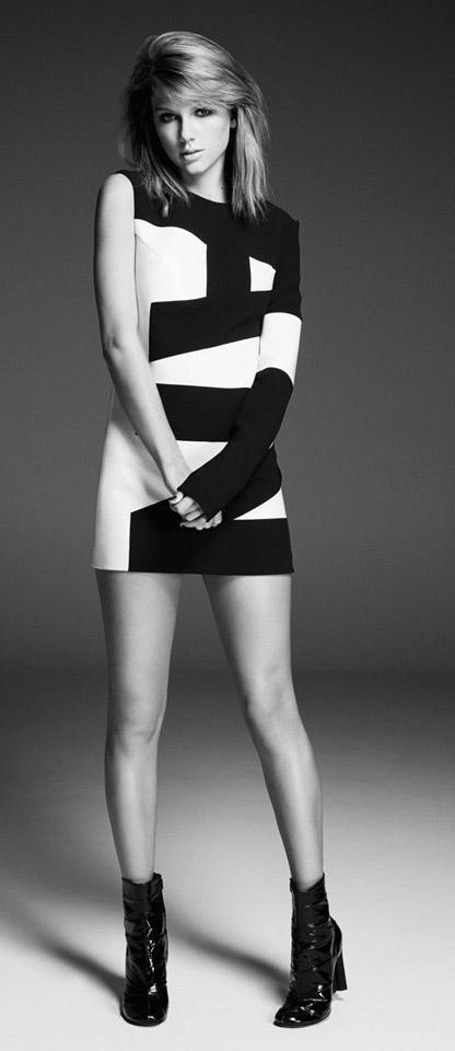 black-dress-print-onesleeve-graphic-mini-black-shoe-booties-taylorswift-spring-summer-blonde-dinner.jpg