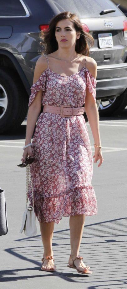 pink-light-dress-wide-belt-floral-print-offtheshoulder-white-bag-peasant-camillabelle-brun-spring-summer-lunch.jpg