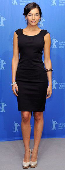 black-dress-shift-bracelet-white-shoe-pumps-lbd-camillabelle-brun-spring-summer-work.jpg