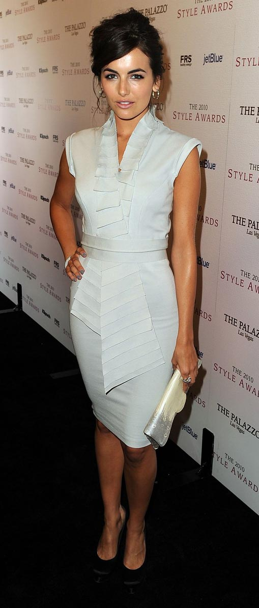 white-dress-bodycon-black-shoe-pumps-hoops-white-bag-clutch-camillabelle-brun-spring-summer-dinner.jpg