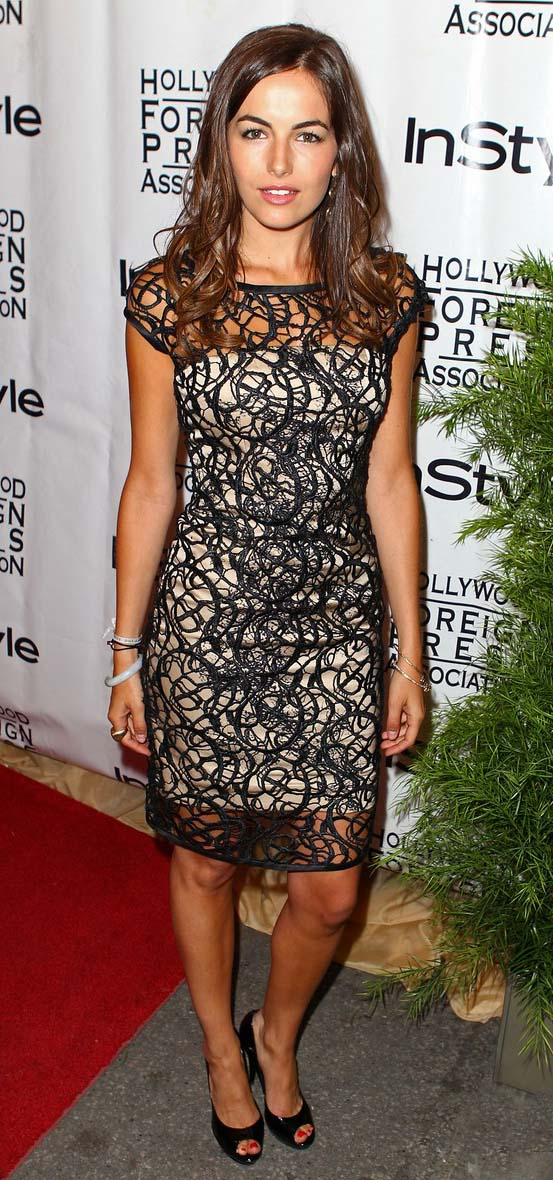 black-dress-bodycon-lace-black-shoe-pumps-camillabelle-brun-spring-summer-dinner.jpg