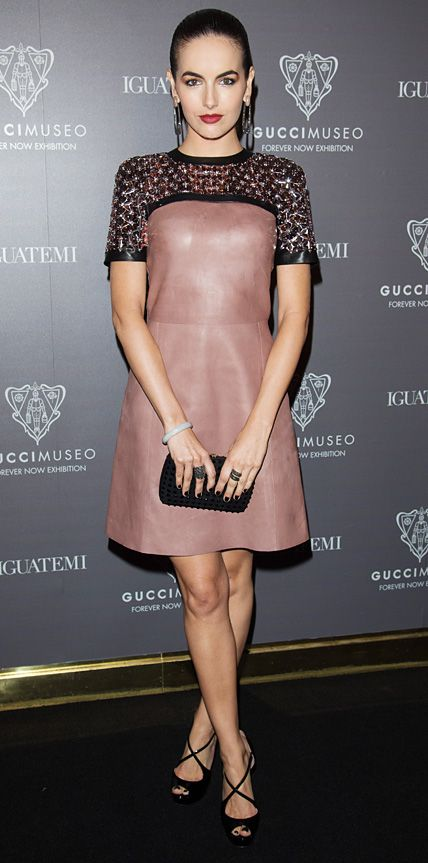 pink-light-dress-aline-black-bag-clutch-earrings-black-shoe-sandalh-camillabelle-brun-spring-summer-dinner.jpg