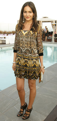 yellow-dress-mini-print-black-shoe-sandalh-camillabelle-brun-spring-summer-dinner.jpg