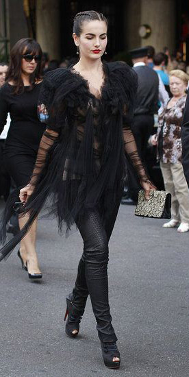 black-skinny-jeans-black-shoe-booties-black-top-chiffon-braids-camillabelle-brun-fall-winter-dinner.jpg