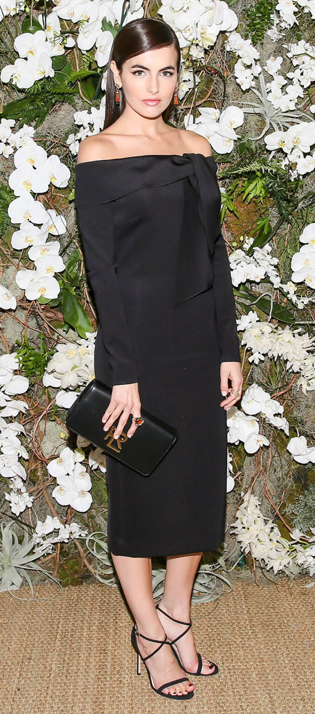 black-dress-bodycon-lbd-offshoulder-earrings-black-bag-clutch-black-shoe-sandalh-camillabelle-brun-fall-winter-dinner.jpg