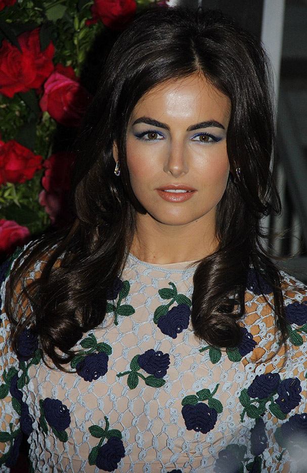 hair-romantic-girly-style-type-camillabelle-embroidered-floral-dress-long-brunette-hair-wavy-blue-eyeshadow-makeup.jpg