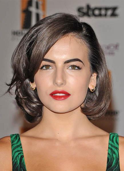 hair-makeup-camillabelle-brun-bob-sidepart-redlips.jpg