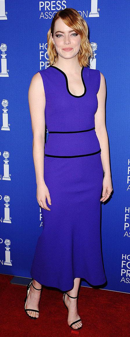 purple-royal-dress-aline-black-shoe-sandalh-emmastone-spring-summer-hairr-dinner.jpg