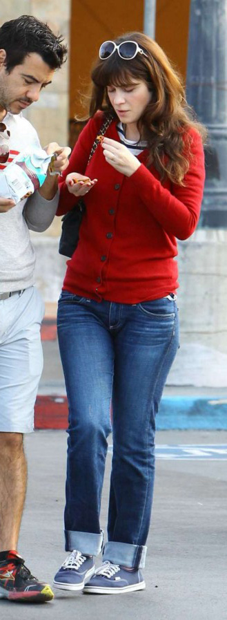 blue-med-flare-jeans-red-cardigan-blue-shoe-sneakers-sun-zooeydeschanel-brun-spring-summer-weekend.jpg