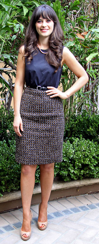 blue-navy-pencil-skirt-tweed-blue-navy-top-tan-shoe-pumps-zooeydeschanel-brun-spring-summer-work.jpg