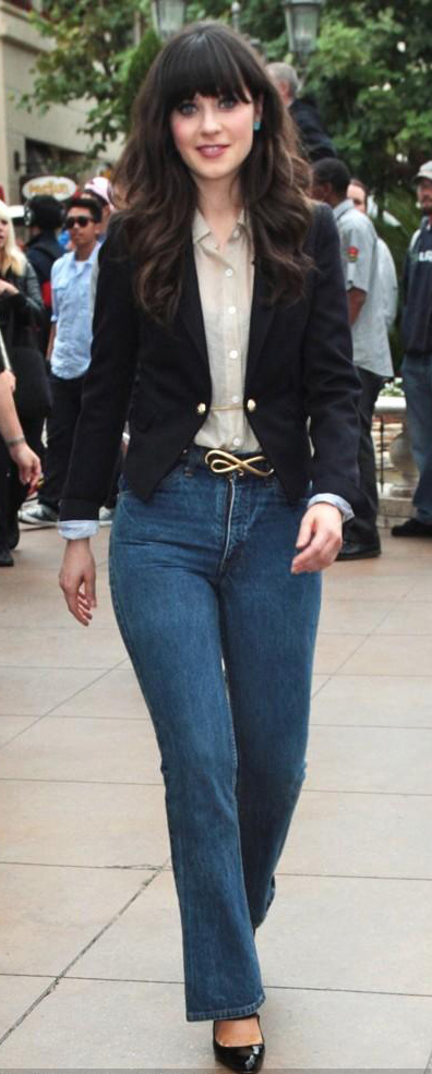 blue-med-flare-jeans-tan-top-blouse-black-jacket-blazer-black-shoe-pumps-belt-zooeydeschanel-brun-fall-winter-work.jpg