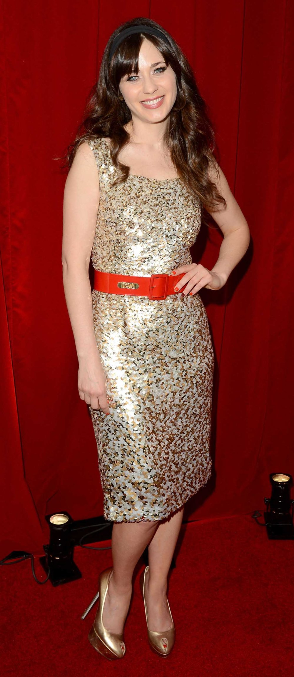 tan-dress-shift-sequin-belt-head-tan-shoe-pumps-zooeydeschanel-brun-spring-summer-dinner.jpg