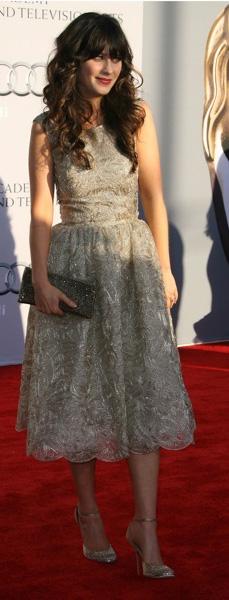 tan-dress-fullskirt-lace-zooeydeschanel-brun-spring-summer-elegant.jpg