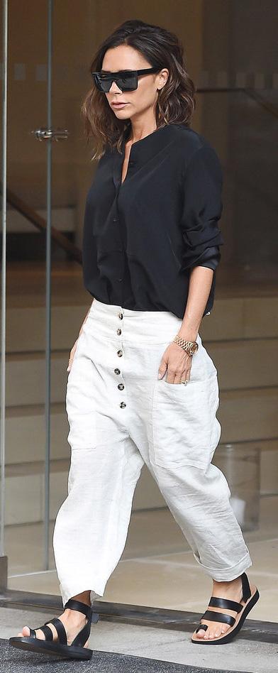 white-joggers-pants-black-top-blouse-black-shoe-sandals-sun-victoriabeckham-brun-spring-summer-weekend.jpg