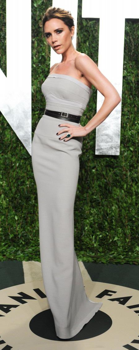 grayl-dress-gown-victoriabeckham-brun-spring-summer-elegant.jpg