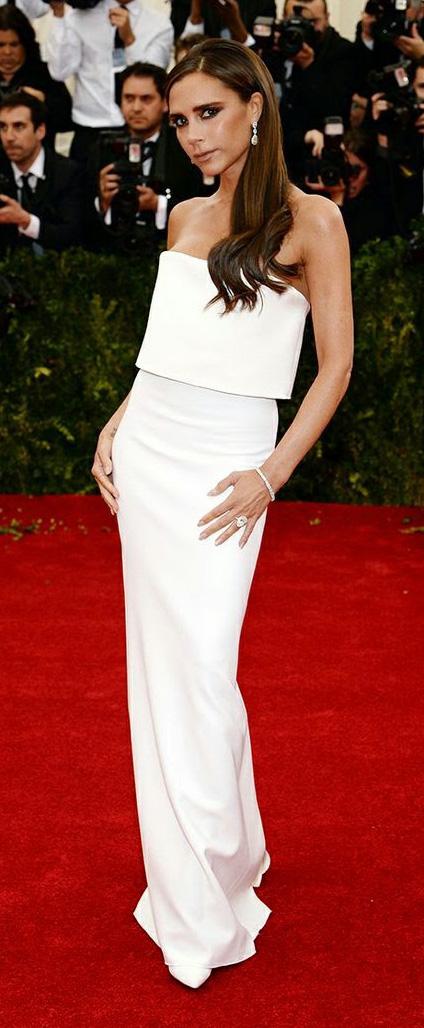 white-dress-gown-strapless-victoriabeckham-brun-spring-summer-elegant.jpg
