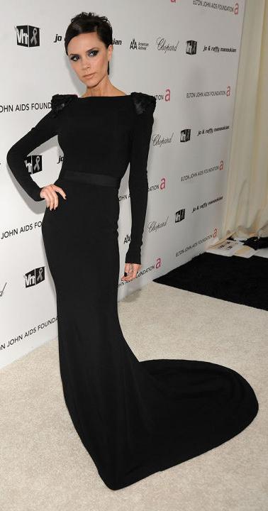 black-dress-gown-victoriabeckham-brun-fall-winter-elegant.jpg