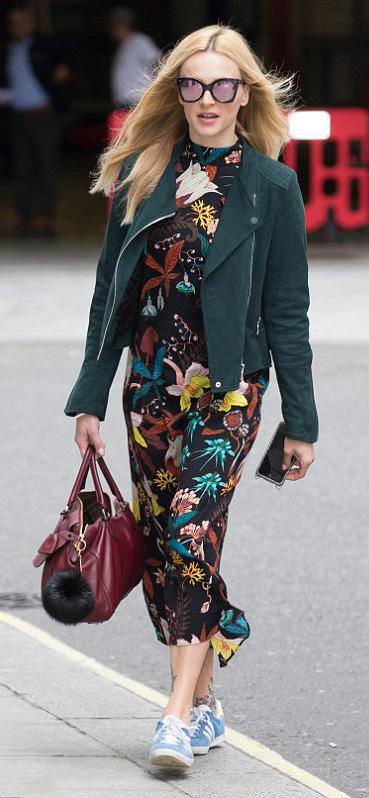 black-dress-maxi-floral-print-blue-shoe-sneakers-burgundy-bag-green-dark-jacket-moto-sun-fearnecotton-fall-winter-blonde-lunch.jpg