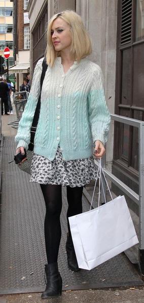white-mini-skirt-blue-light-cardigan-wear-style-fashion-fall-winter-black-tights-print-black-shoe-booties-fearnecotton-blonde-lunch.jpg