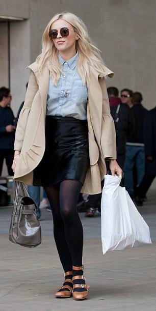 black-mini-skirt-blue-light-top-collared-shirt-sun-wear-style-fashion-fall-winter-black-tights-chambray-tan-jacket-coat-cognac-shoe-flats-fearnecotton-blonde-lunch.jpg