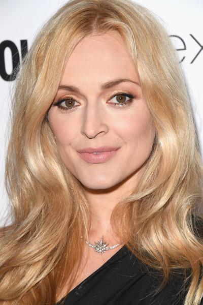 hair-makeup-fearnecotton-blonde-long-wavy.jpg