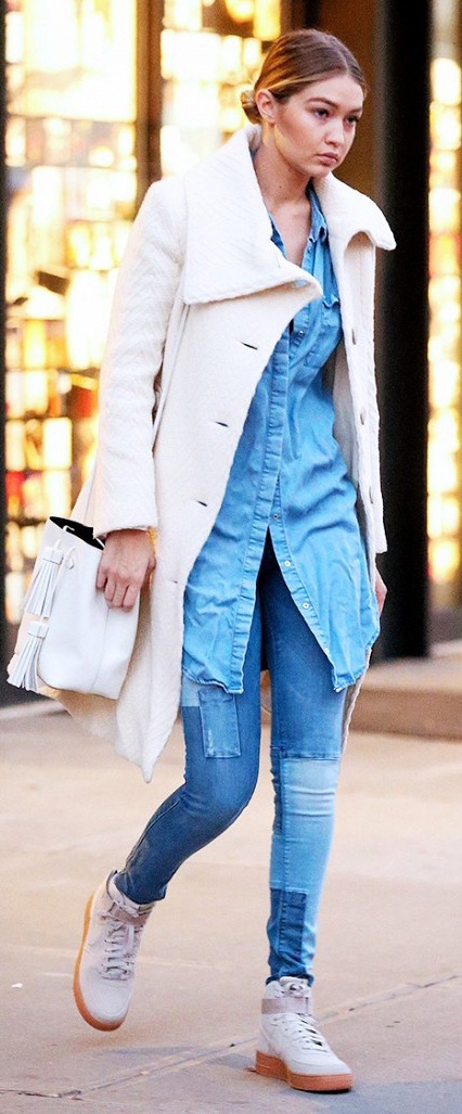 blue-med-skinny-jeans-blue-light-top-collared-shirt-howtowear-style-fashion-fall-winter-gigihadid-chambray-white-jacket-coat-white-bag-bun-tan-shoe-sneakers-street-blonde-weekend.jpg