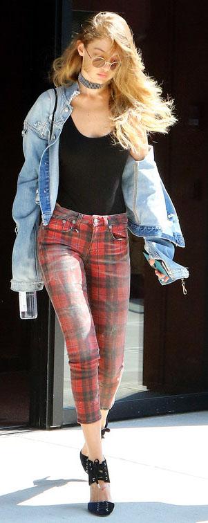 red-skinny-jeans-black-top-tank-bodysuit-choker-blue-light-jacket-jean-black-shoe-pumps-blonde-sun-spring-summer-gigihadid-plaid-lunch.jpg