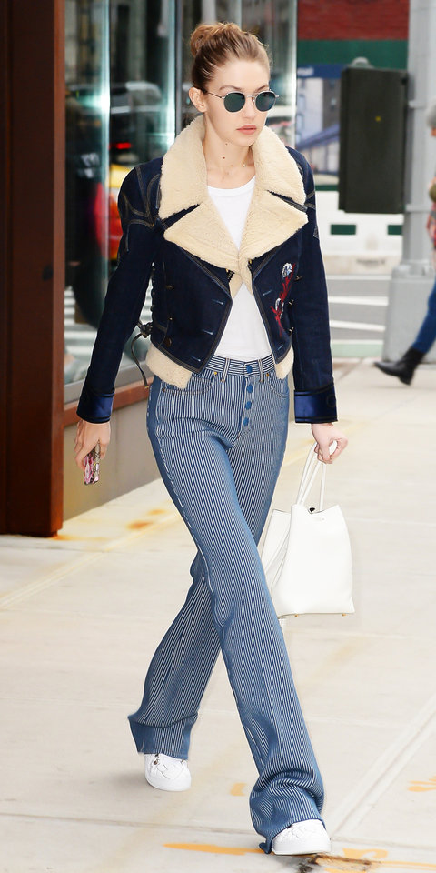 blue-navy-wideleg-pants-stripe-white-tee-blue-navy-jacket-jean-shearling-white-shoe-sneakers-bun-sun-17-fall-winter-gigihadid-street-style-blonde-lunch.jpg