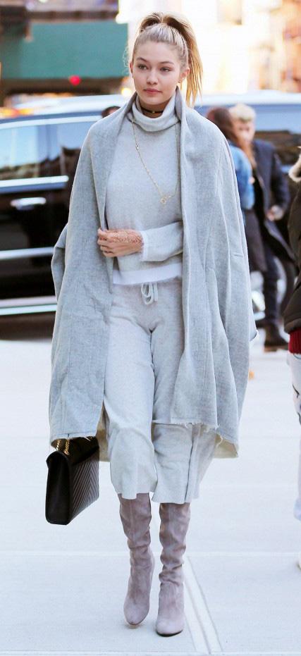 grayl-joggers-pants-grayl-sweater-turtleneck-grayl-cardiganl-gigihadid-necklace-wear-style-fashion-fall-winter-sweats-boots-pony-blonde-lunch.jpg