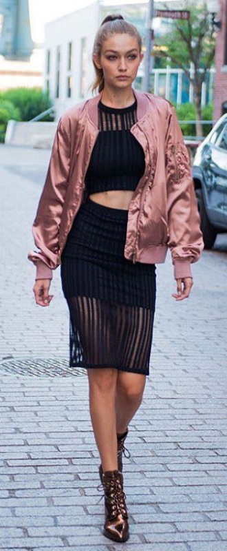 black-pencil-skirt-black-top-crop-match-set-pink-light-jacket-bomber-brown-shoe-booties-metallic-pony-stuartweitzman-gigihadid-howtowear-fashion-style-outfit-spring-summer-dinner.jpg