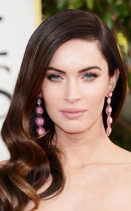 what-to-wear-oval-face-shape-style-haircut-sunglasses-hat-earrings-jewelry-meganfox-pink-long-sidepart.jpg