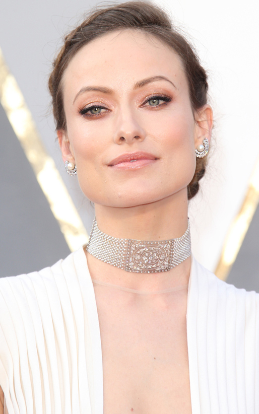 what-to-wear-square-face-shape-style-haircut-sunglasses-hat-earrings-jewelry-oliviawilde-choker-necklace-updo-studs-white.jpg