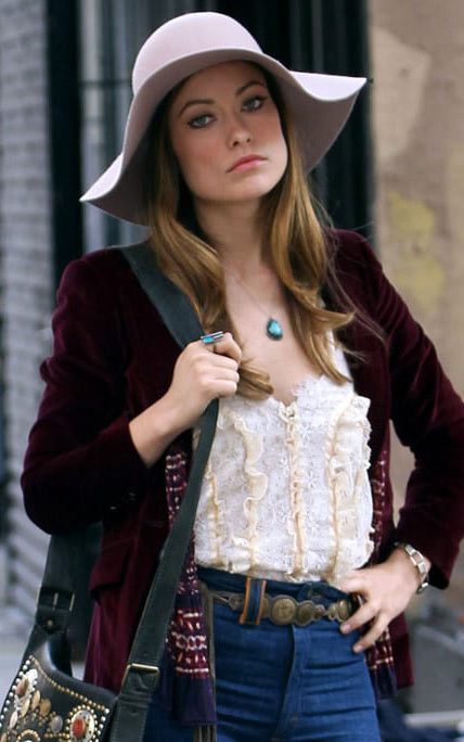 what-to-wear-square-face-shape-style-haircut-sunglasses-hat-earrings-jewelry-oliviawilde-floppy-necklace.jpg