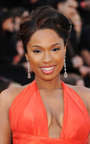 what-to-wear-round-face-shape-style-haircut-sunglasses-hat-earrings-jewelry-jenniferhudson-oscars-updo.jpg