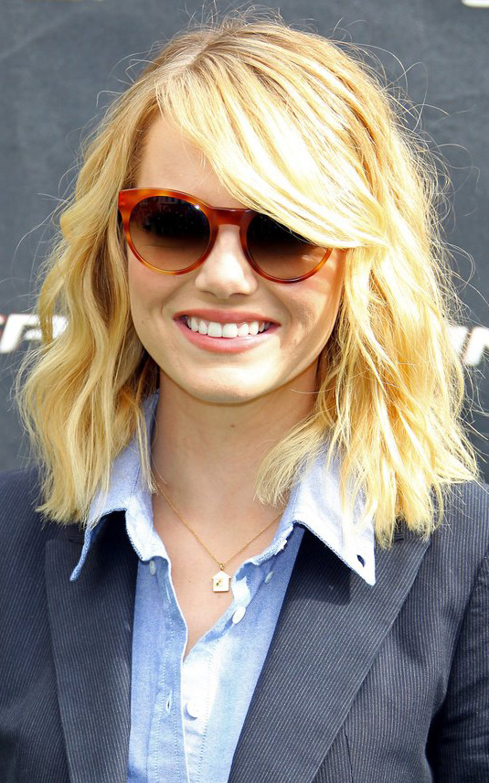 what-to-wear-round-face-shape-style-haircut-sunglasses-hat-earrings-jewelry-emmastone-lob-wavy-sideswept.jpg