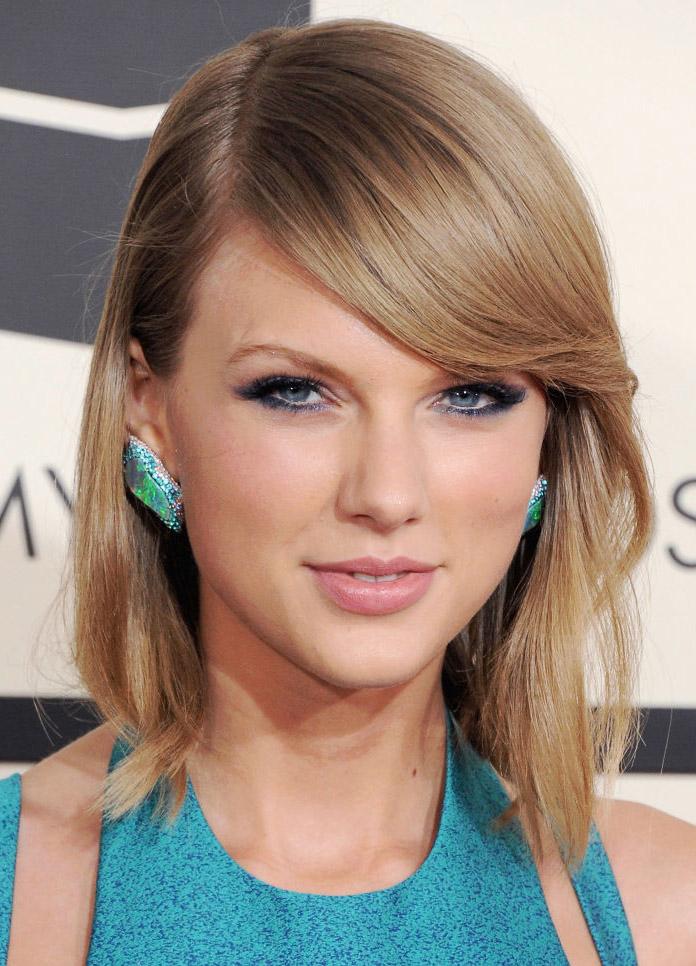 hair-taylorswift-blonde-makeup-lob-bangs-studs-blue-turquoise.jpg