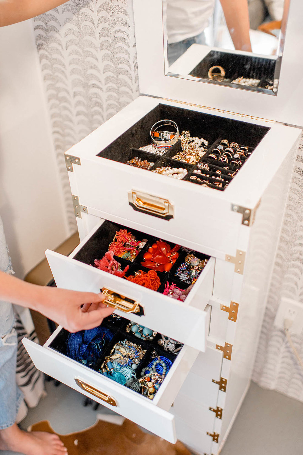 armoire-furniture-how-to-organize-jewelry-closet-wardrobe-earrings-rings-necklaces-storage-collection-by-color.jpg