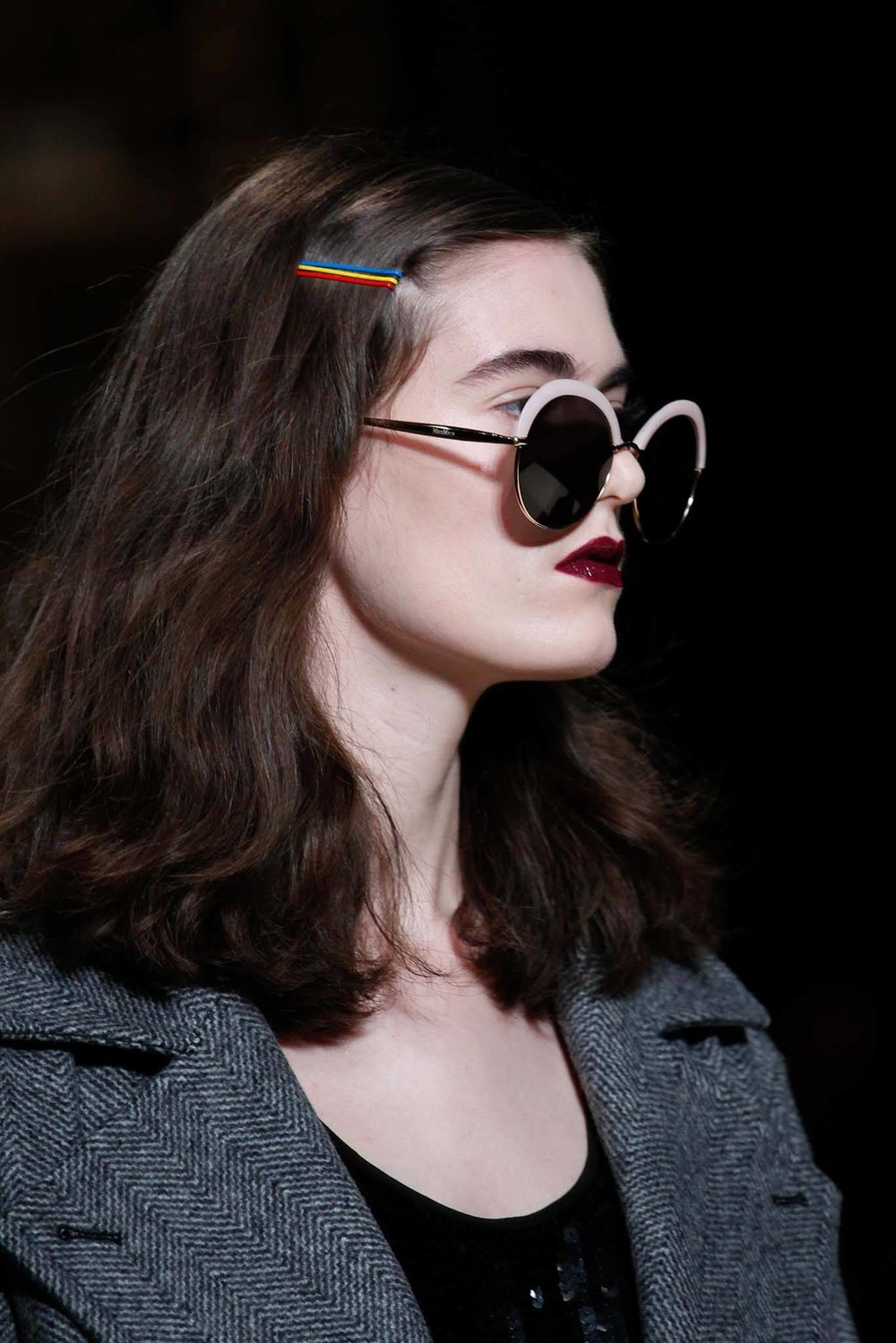 how-to-style-hair-accessories-bobby-pin-hairstyles-ways-to-wear-multicolor-side.jpg