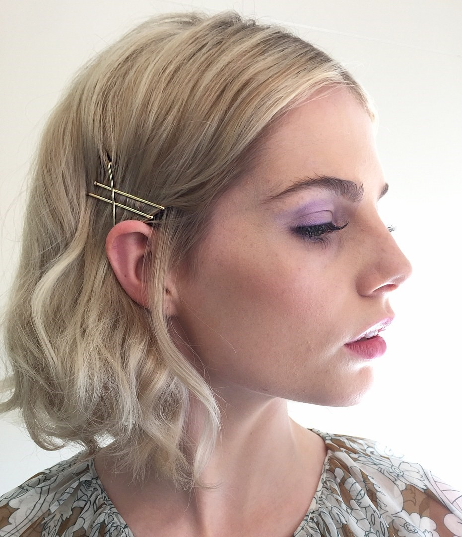 how-to-style-hair-accessories-bobby-pin-hairstyles-ways-to-wear-bobbypinhair-lacyredway.jpg